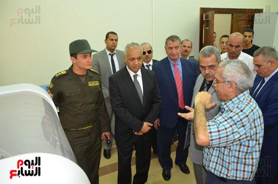 مصطفى بكرى واللواء السيد نصر يتفقدان جامعة كفر الشيخ (1)