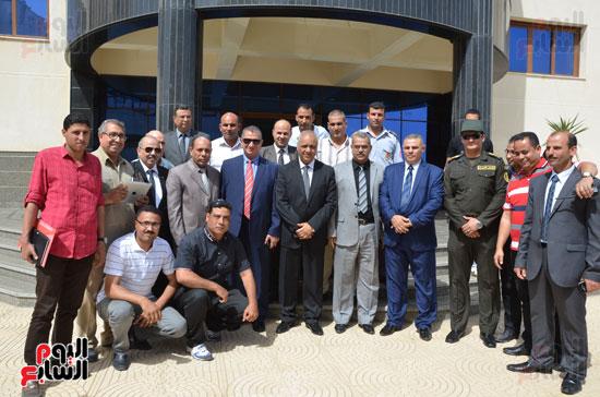 مصطفى بكرى واللواء السيد نصر يتفقدان جامعة كفر الشيخ (3)