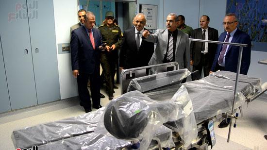 مصطفى بكرى واللواء السيد نصر يتفقدان جامعة كفر الشيخ (4)