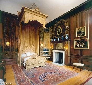 بالصور .. هكذا كانت غرف نوم العائلة المالكة البريطانية قديماً
