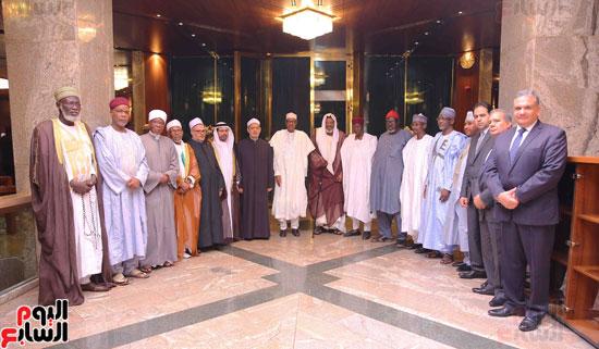 الرئيس النيجيرى لشيخ الأزهر زيارتكم فخر لنا ونقدر جهودكم لنشر الوسطية (2)