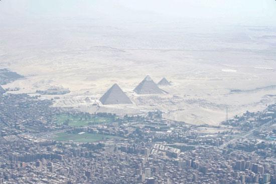 صور للأهرامات ملتقطة من طائرة جون كيرى (1)
