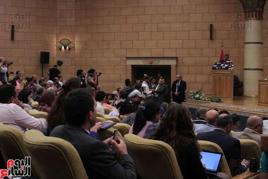 مؤتمر صحفى لوزير الطيران (5)