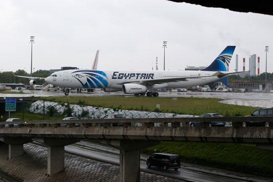 أخر صور للطائرة المصرية المنكوبة (3)