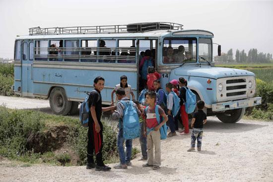 أطفال سوريا فى لبنان بين المدارس والقبور وانتظار الفرج  (2)