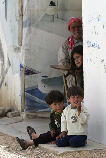 أطفال سوريا فى لبنان بين المدارس والقبور وانتظار الفرج  (11)