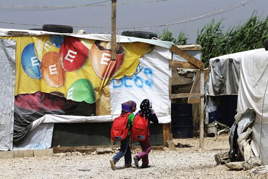 أطفال سوريا فى لبنان بين المدارس والقبور وانتظار الفرج  (14)
