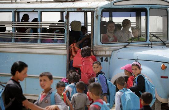 أطفال سوريا فى لبنان بين المدارس والقبور وانتظار الفرج  (16)