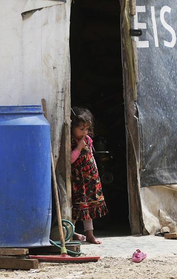أطفال سوريا فى لبنان بين المدارس والقبور وانتظار الفرج  (5)