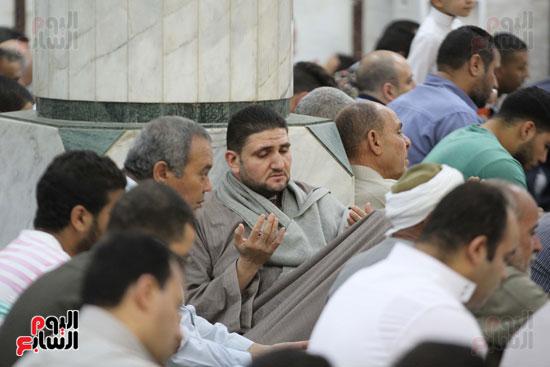 صلاة الغائب على روح الكابتن محمد بهجت شقير  قائد الطائره المصريه المنكوبه (12)
