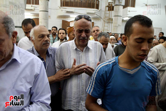صلاة الغائب على روح الكابتن محمد بهجت شقير  قائد الطائره المصريه المنكوبه (6)