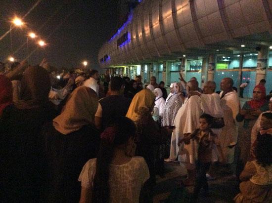 المعتمرين بمطار القاهرة (1)