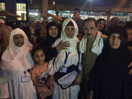 المعتمرين بمطار القاهرة (3)