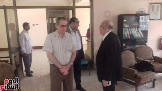 زيارة مفاجئة لرئيس جامعة الزقازيق لأعمال صيانة المركز الثقافى الاجتماعى (3)