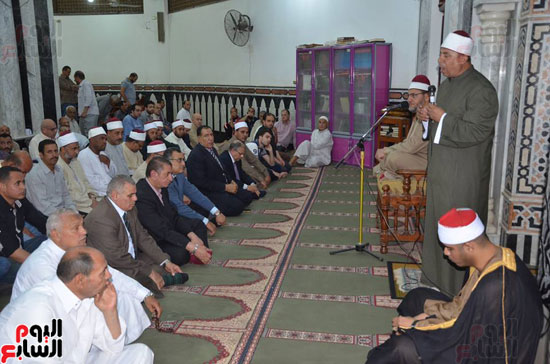 محافظ كفر الشيخ يشهد احتفال الأوقاف بليلة النصف من شعبان (1)
