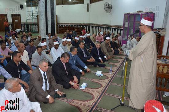 محافظ كفر الشيخ يشهد احتفال الأوقاف بليلة النصف من شعبان (4)