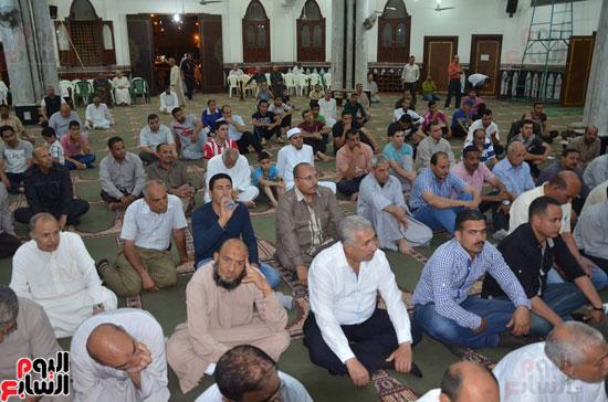محافظ كفر الشيخ يشهد احتفال الأوقاف بليلة النصف من شعبان (6)