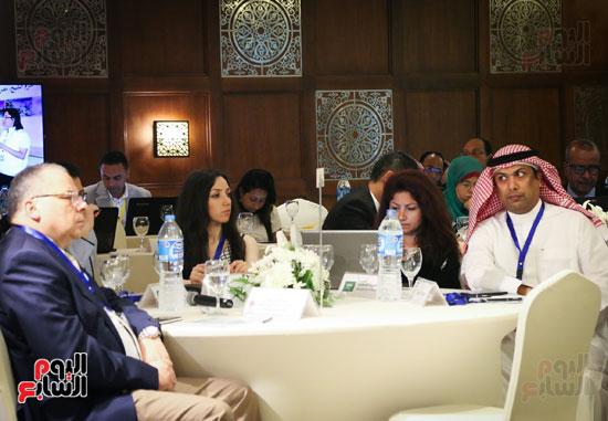المائدة المستديرة لمناقشة اهداف التنمية المستدامة   (4)