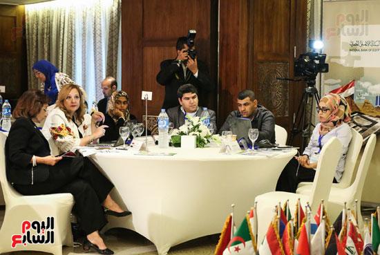 المائدة المستديرة لمناقشة اهداف التنمية المستدامة   (5)