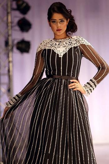 b2cd1d396560d بالصور.. أزياء عمانية بلمسة عصرية فى معرض الموضة النسائية بمسقط ...