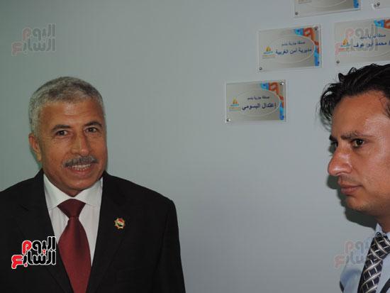 زيارة مدير أمن الغربية لمستشفى سرطان الأطفال (9)