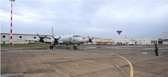 البحرية الأمريكية المشاركة فى البحث عن حطام الطائرة المصرية  (2)