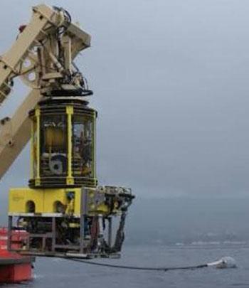 صورة الروبوت rov قبل بحثه عن الصندوق الأسود للطائرة المنكوبة بالبحر (3)