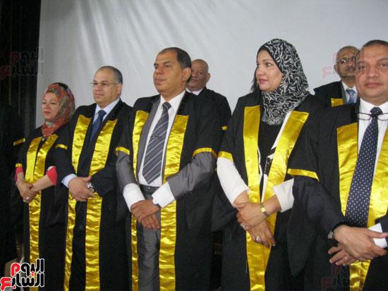 وزير التعليم العالى يكرم رؤساء جامعة بنى سويف السابقين (3)