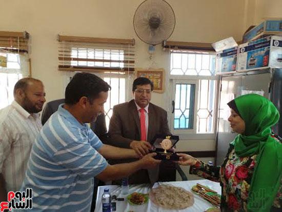 تكرم-مدرسة-الفيروز-للغات-بجنوب-سيناء-(2)