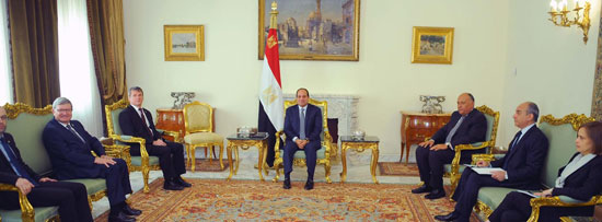الرئيس السيسي خلال استقبال وفد البرلمان الفرنسى (3)