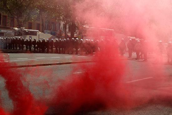 إصابات فى صفوف الشرطة ومتظاهرين فى بلجيكا (5)