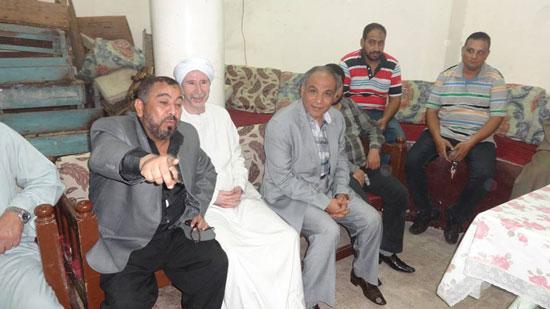إنهاء خصومة بين مسلم وقبطى فى الاقصر (1)
