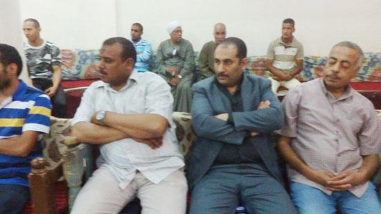 إنهاء خصومة بين مسلم وقبطى فى الاقصر (4)