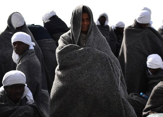المهاجرون البحر المتوسط يدفعون حياتهم