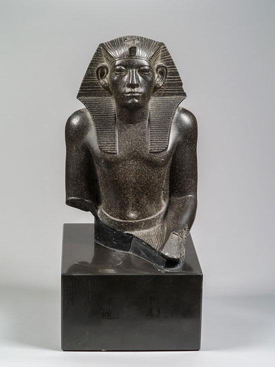 الملك-أمنمحات-الثالث--(3)