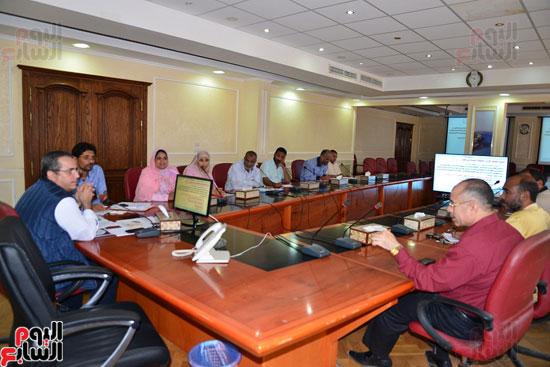 لجنة مكافحة الفساد بمطروح تنظم دورة تدريبية للعاملين بالمحافظة   (2)