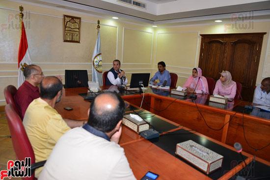 لجنة مكافحة الفساد بمطروح تنظم دورة تدريبية للعاملين بالمحافظة   (3)