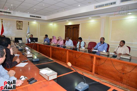 لجنة مكافحة الفساد بمطروح تنظم دورة تدريبية للعاملين بالمحافظة   (4)