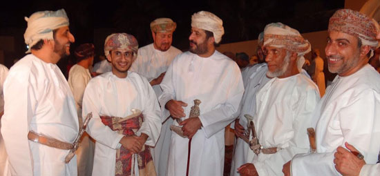 السفير العمانى لدى مصر يشهد عقد قران نجله بمسقط (6)