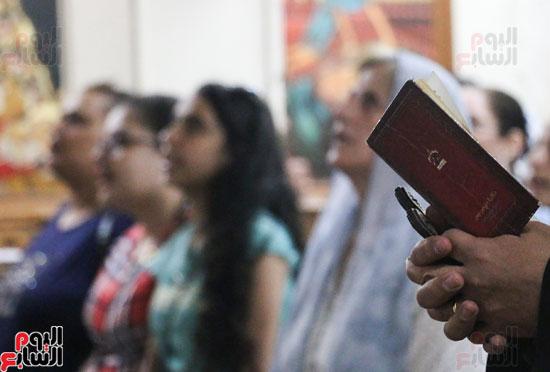 كنائس الإسكندرية تصلى من أجل المتضررين فى أحداث المنيا (11)
