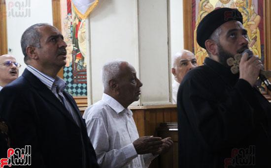 كنائس الإسكندرية تصلى من أجل المتضررين فى أحداث المنيا (16)