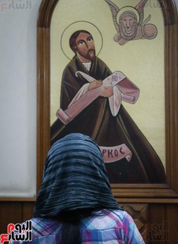 كنائس الإسكندرية تصلى من أجل المتضررين فى أحداث المنيا (7)