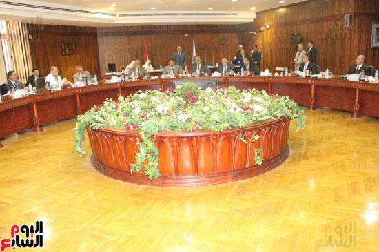 مجلس جامعة طنطا يكرم الحاصلين على جوائز الدولة العلمية (2)