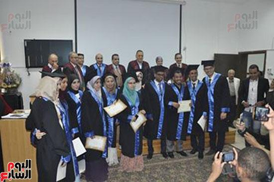 حفل خريجي كلية طب الأسنان بجامعة قناة السويس (1)