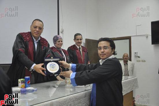 حفل خريجي كلية طب الأسنان بجامعة قناة السويس (5)