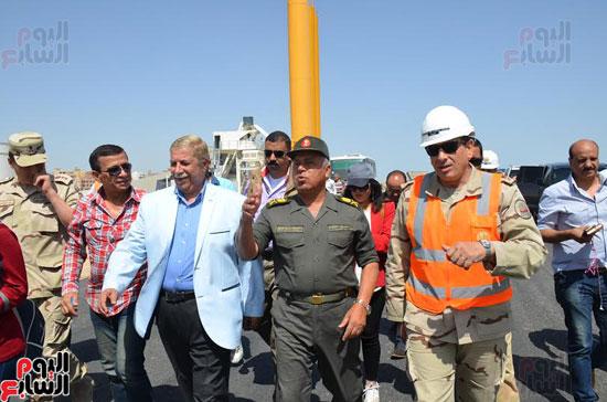 كامل الوزير بدء أعمال الحفر الفعلى لأنفاق قناة السويس أول رمضان (1)