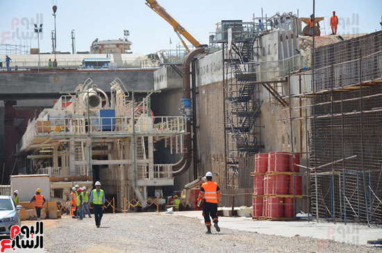 كامل الوزير بدء أعمال الحفر الفعلى لأنفاق قناة السويس أول رمضان (6)