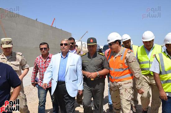 كامل الوزير بدء أعمال الحفر الفعلى لأنفاق قناة السويس أول رمضان (8)