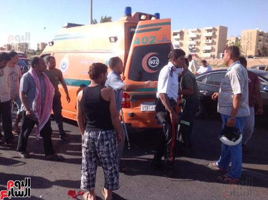 إصابة شرطى مرور أثناء تأمين سيارة محافظ جنوب سيناء (5)