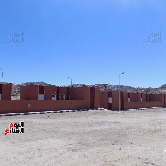 خالد فودة محافظ جنوب سيناء يتفقد مستشفى سانت كاترين (2)
